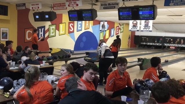 Bowling Team Aims High
