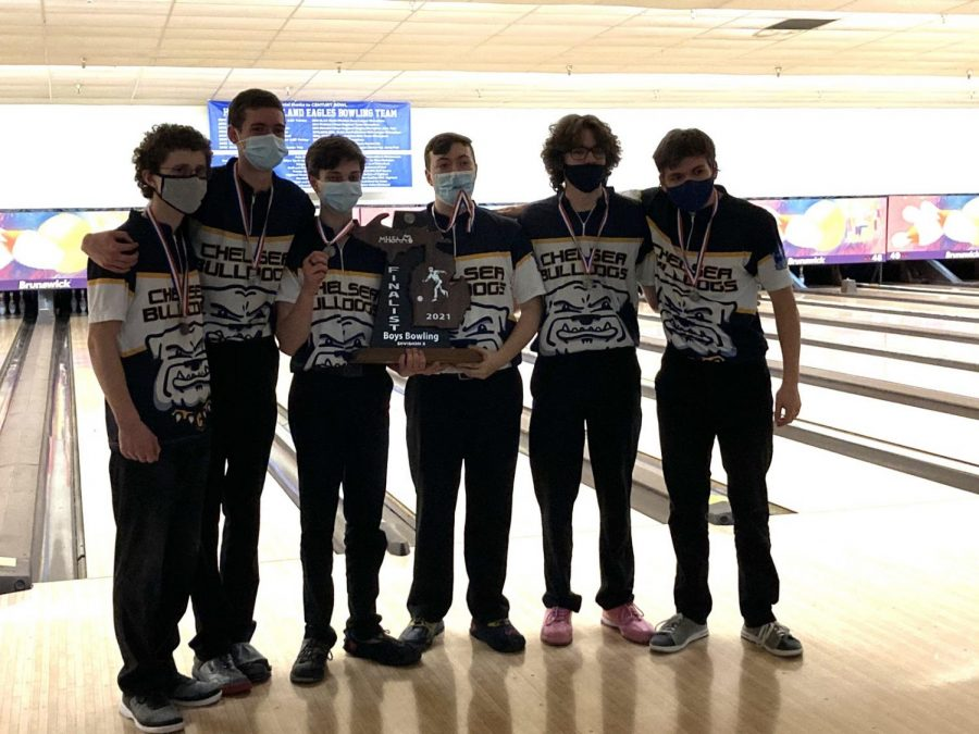 Men's Bowling Finishes Season as D2 State Runner-Up